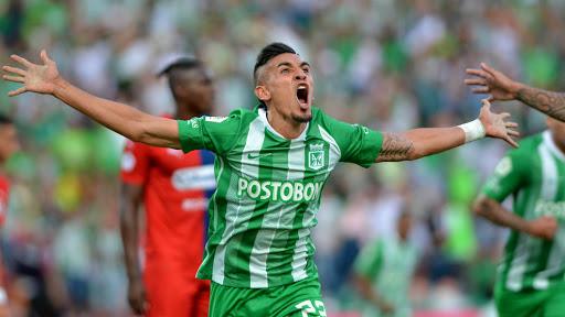 Chicho Serna le recomendó un jugador a Riquelme